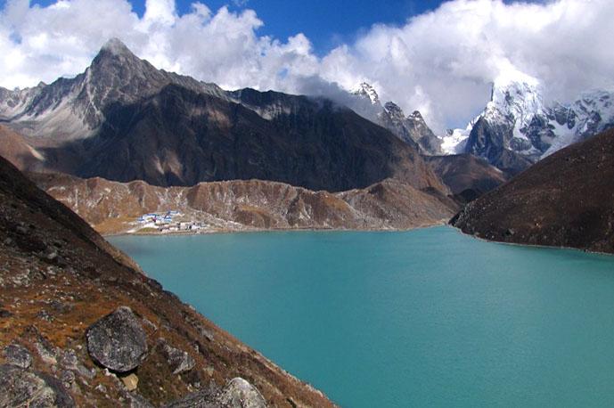 Himalayan lake