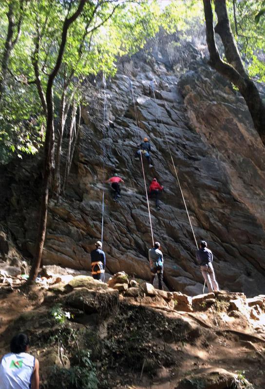 Rock-climbing-in-nepal